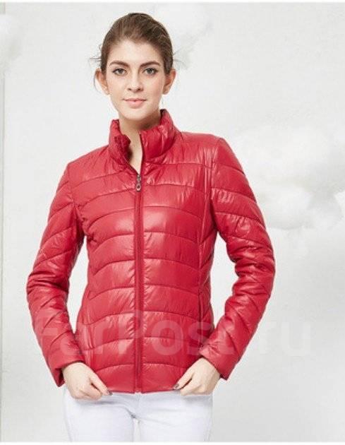 Новая красная куртка, 42-44 р. рост 155-160, не тонкая, на сентипоне. 42, 44