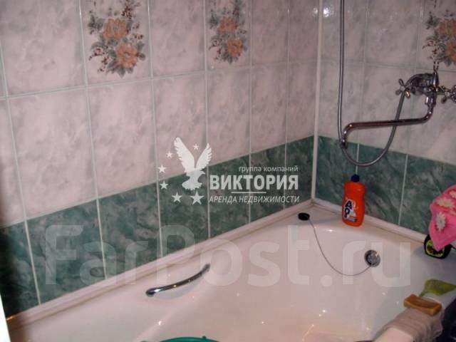Гостинка, улица Надибаидзе 30. Чуркин, агентство, 18 кв.м. Ванная