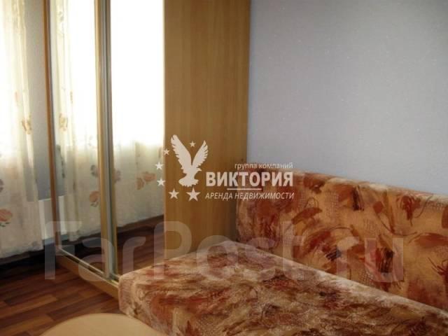 Гостинка, улица Надибаидзе 30. Чуркин, агентство, 18 кв.м. Комната