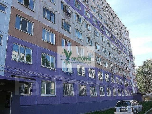Гостинка, улица Надибаидзе 30. Чуркин, агентство, 18 кв.м. Дом снаружи