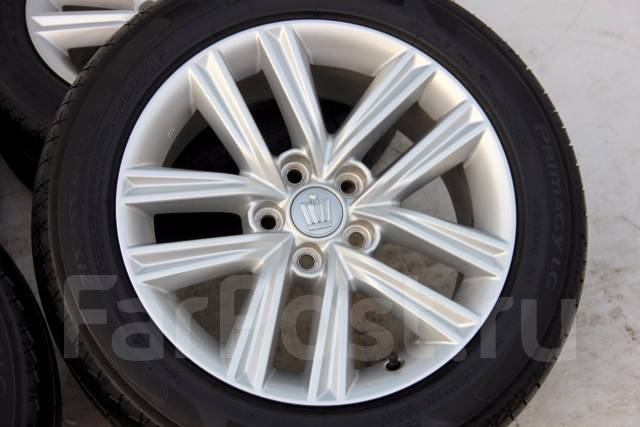 Колёса с шинами =Toyota Crown= R17! 2014 год! 8 мм (№ 49255). 7.5x17 5x114.30 ET40