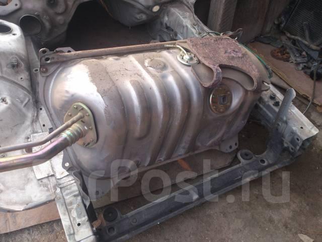 Бак топливный. Toyota Chaser, JZX100 Двигатели: 1JZGE, 1JZGTE
