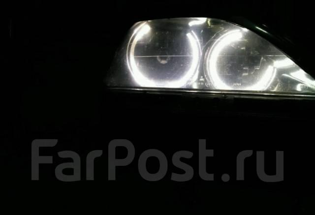 Фара. Toyota Harrier