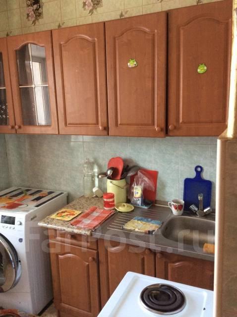 2-комнатная, улица Симферопольская 12. ф- ка Пианино , агентство, 45 кв.м. Кухня