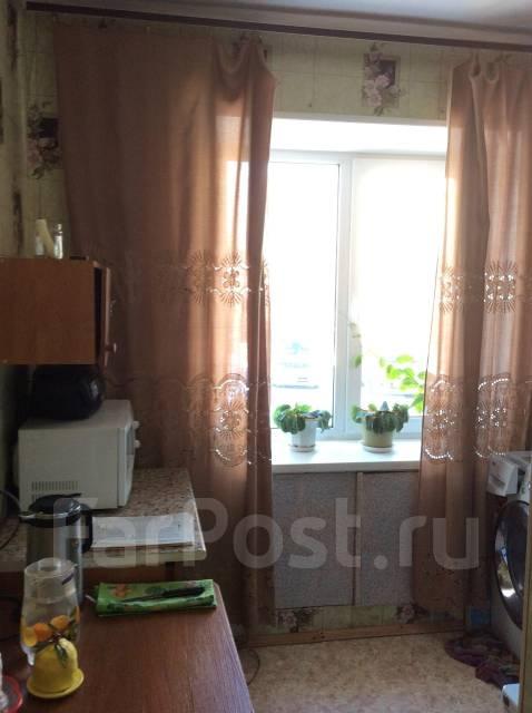 2-комнатная, улица Симферопольская 12. ф- ка Пианино , агентство, 45 кв.м.