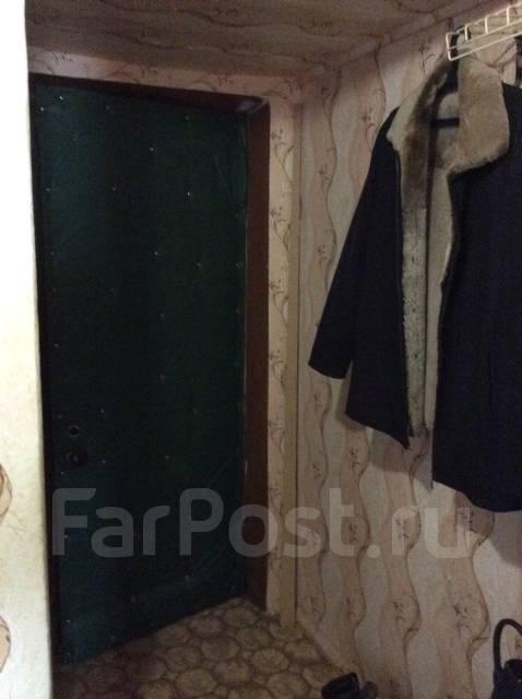 2-комнатная, улица Симферопольская 12. ф- ка Пианино , агентство, 45 кв.м. Прихожая