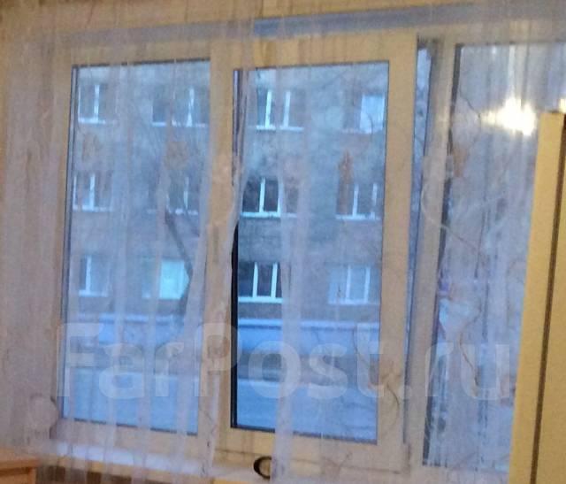 2-комнатная, улица Симферопольская 12. ф- ка Пианино , агентство, 45 кв.м. Вид из окна днем
