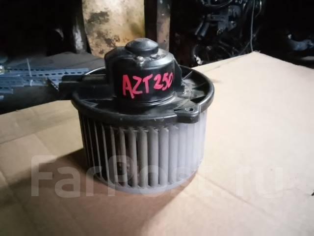 Мотор печки. Toyota Avensis, AZT250