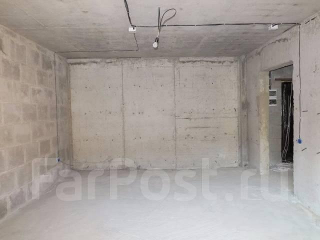 1-комнатная, улица Ладыгина 2д. 64, 71 микрорайоны, проверенное агентство, 50 кв.м.