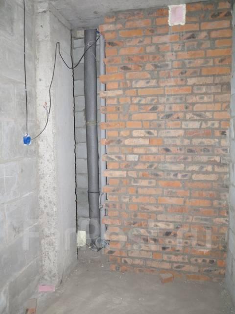 1-комнатная, улица Ладыгина 2д. 64, 71 микрорайоны, проверенное агентство, 50 кв.м. Сан. узел