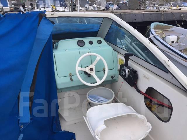 Nissan. Год: 2001 год, длина 6,00м., двигатель подвесной, 70,00л.с., бензин