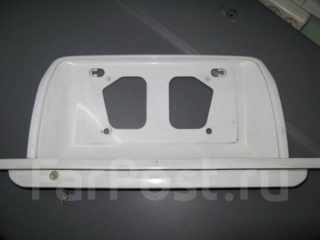 Накладка на дверь багажника. Toyota Hiace Regius, RCH47W