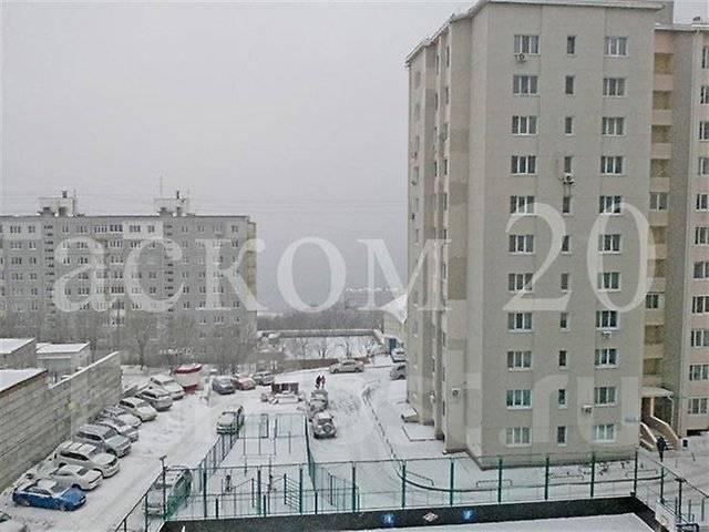 2-комнатная, улица Чкалова 30. Вторая речка, агентство, 59 кв.м. Вид из окна днём