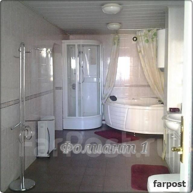 3-комнатная, улица Авроровская 24. Центр, проверенное агентство, 107 кв.м. Сан. узел