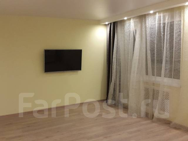 2-комнатная, улица Тобольская 11. Третья рабочая, частное лицо, 92 кв.м. Комната