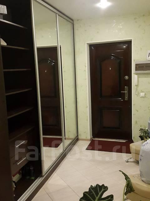 2-комнатная, улица Тобольская 11. Третья рабочая, частное лицо, 92 кв.м. Прихожая