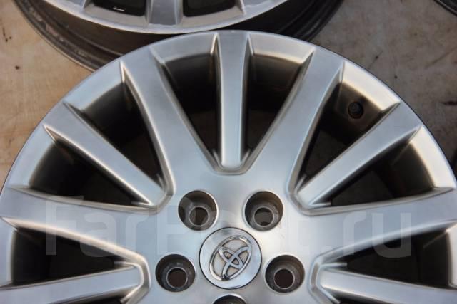 Toyota Crown. 7.0x17, 5x114.30, ET45