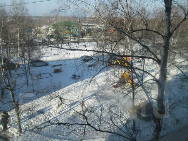 3-комнатная, улица Кирова 69. Автобазы, агентство, 59 кв.м. Вид из окна днём
