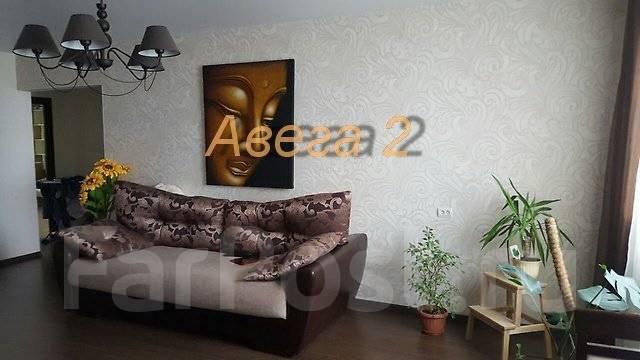 3-комнатная, улица Ладыгина 13. 64, 71 микрорайоны, проверенное агентство, 72 кв.м.