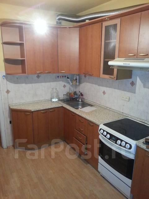 3-комнатная, улица Каплунова 8. 64, 71 микрорайоны, частное лицо, 67 кв.м. Кухня