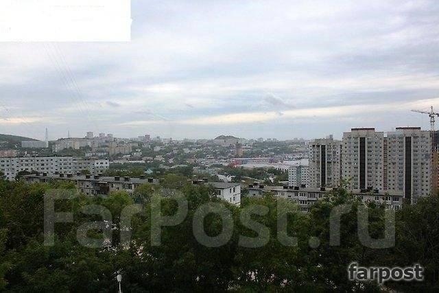 3-комнатная, улица Каплунова 8. 64, 71 микрорайоны, частное лицо, 67 кв.м. Вид из окна днем