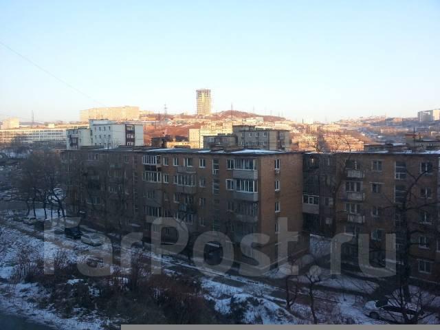 3-комнатная, улица Луговая 83б. Баляева, частное лицо, 61 кв.м. Вид из окна днем