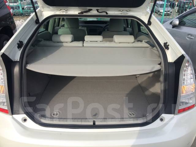Toyota Prius. вариатор, передний, 1.8 (99 л.с.), бензин, 151 000 тыс. км, б/п