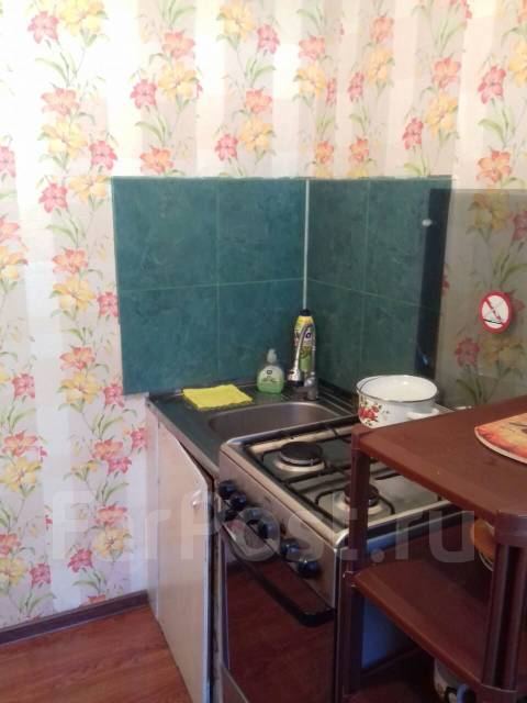 1-комнатная, улица Молодёжная 2. 30 кв.м.
