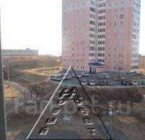 2-комнатная, улица Харьковская 3. Чуркин, агентство, 50 кв.м. Вид из окна днём
