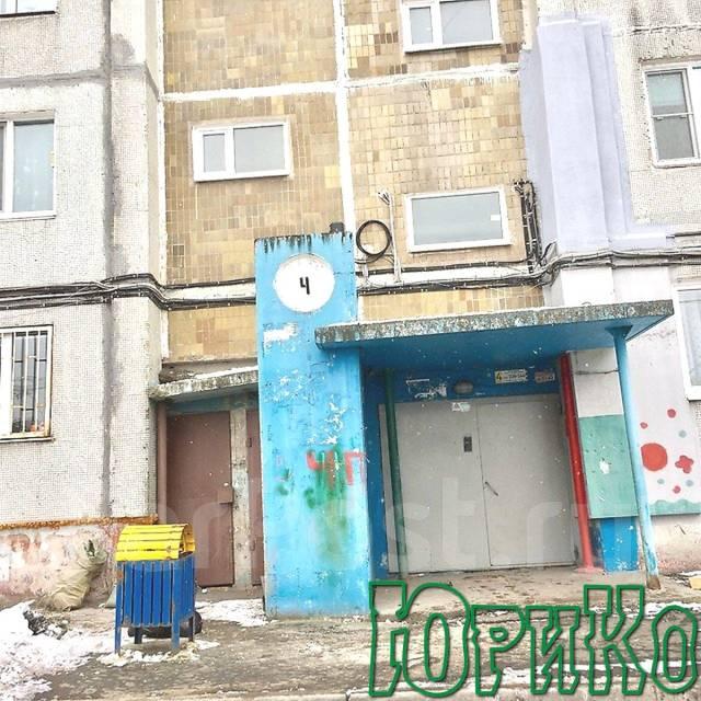 2-комнатная, улица Сабанеева 15. Баляева, агентство, 51 кв.м.