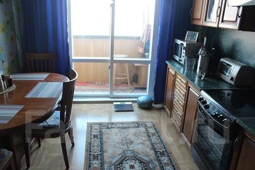 3-комнатная, улица Верхне-Морская 17. Рыбный порт, частное лицо, 65 кв.м.