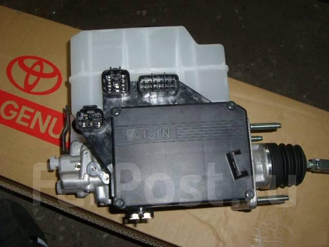 Цилиндр рабочий тормозной. Toyota Land Cruiser, HDJ101, FZJ105, HZJ105, HDJ100, UZJ100 Двигатели: 1HZ, 1FZFE, 2UZFE, 1HDFTE