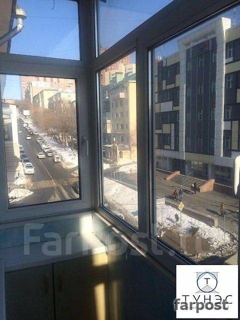 2-комнатная, улица Уборевича 17. Центр, проверенное агентство, 55 кв.м.