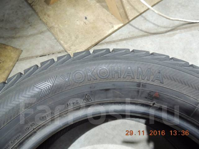 Yokohama Ice Guard IG30. Зимние, 2010 год, износ: 10%, 2 шт