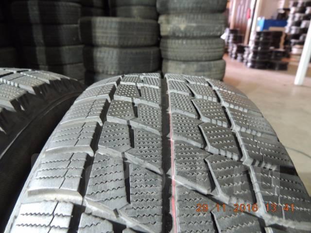 Bridgestone Ice Partner. Зимние, без шипов, 2013 год, износ: 10%, 2 шт