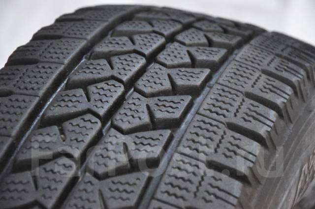 Bridgestone. Зимние, без шипов, 2014 год, износ: 10%, 2 шт