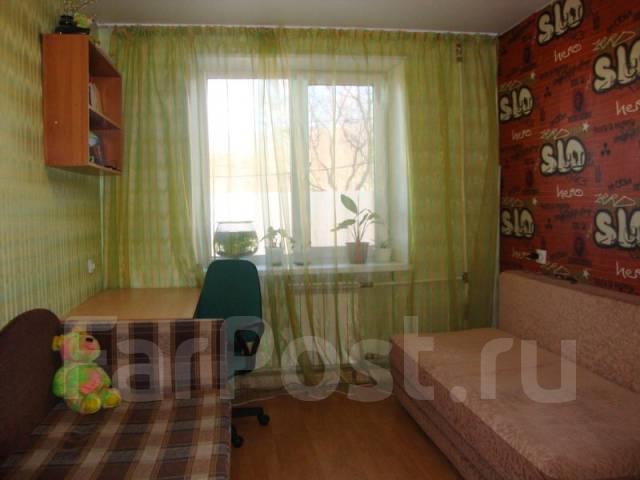 4-комнатная, улица Макарова 26. агентство, 80 кв.м.