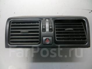 Решетка вентиляционная. Toyota Celsior, UCF10, UCF11 Двигатель 1UZFE