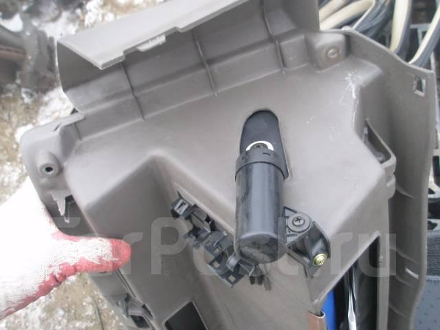 Бардачок. Toyota Harrier, MCU15 Двигатель 1MZFE