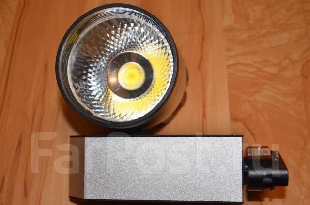 Светильники точечные и трековые.