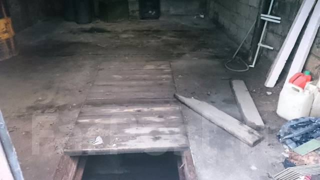 Гаражи капитальные. улица Воронежская 4, р-н Двойка, подвал. Вид изнутри