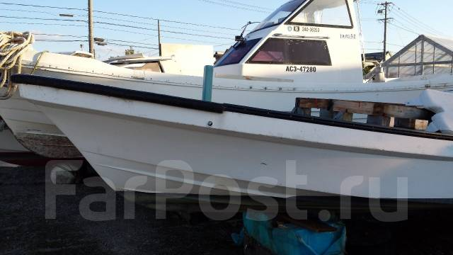Лодка рыбацкая с постом 8.5 метров. Год: 1995 год, двигатель подвесной, бензин. Под заказ