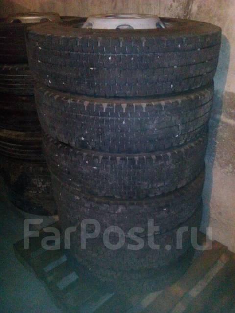 Продам колеса Dunlop 225/90 R17.5. 6.0x17.5 ET135
