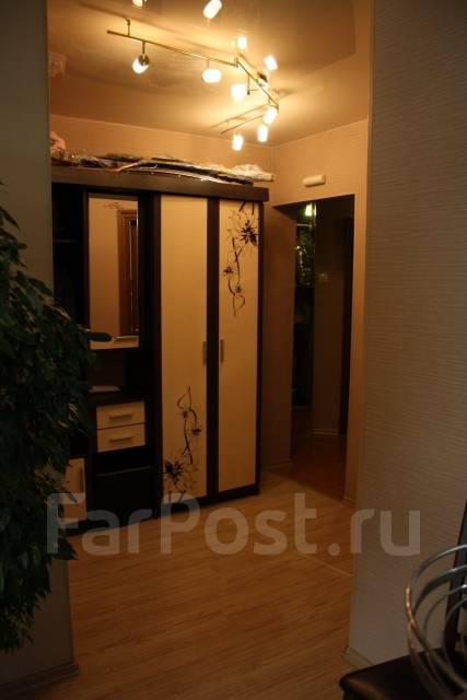 2-комнатная, улица Адмирала Горшкова 22. Снеговая падь, частное лицо, 64 кв.м. Прихожая