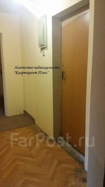3-комнатная, улица Жигура 24. Третья рабочая, проверенное агентство, 67 кв.м. Прихожая