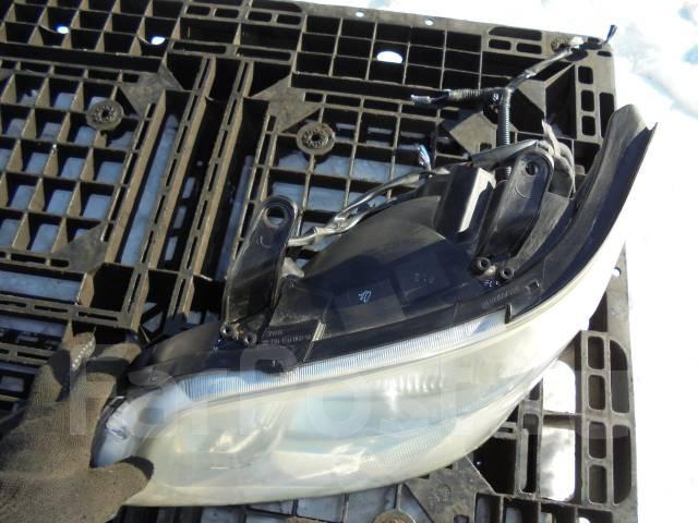 Фара. Toyota Noah, AZR65G Двигатель 1AZFSE