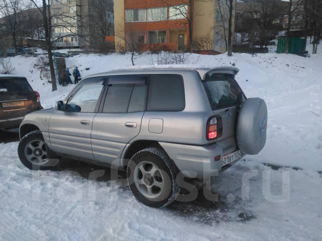 Toyota RAV4. автомат, 4wd, 2.0 (135 л.с.), бензин