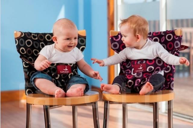 Мобильный Тотсит - малыш на стульчике сидит подарок к Новому Году