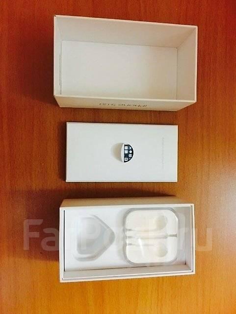 Оригинальная коробка на Apple iPhone 5s.