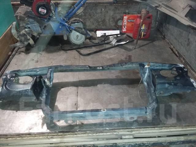 Рамка радиатора. Toyota Crown, JZS141